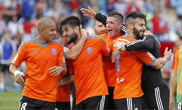 Valencia celebrate Champions League qualification. Source: Getty.