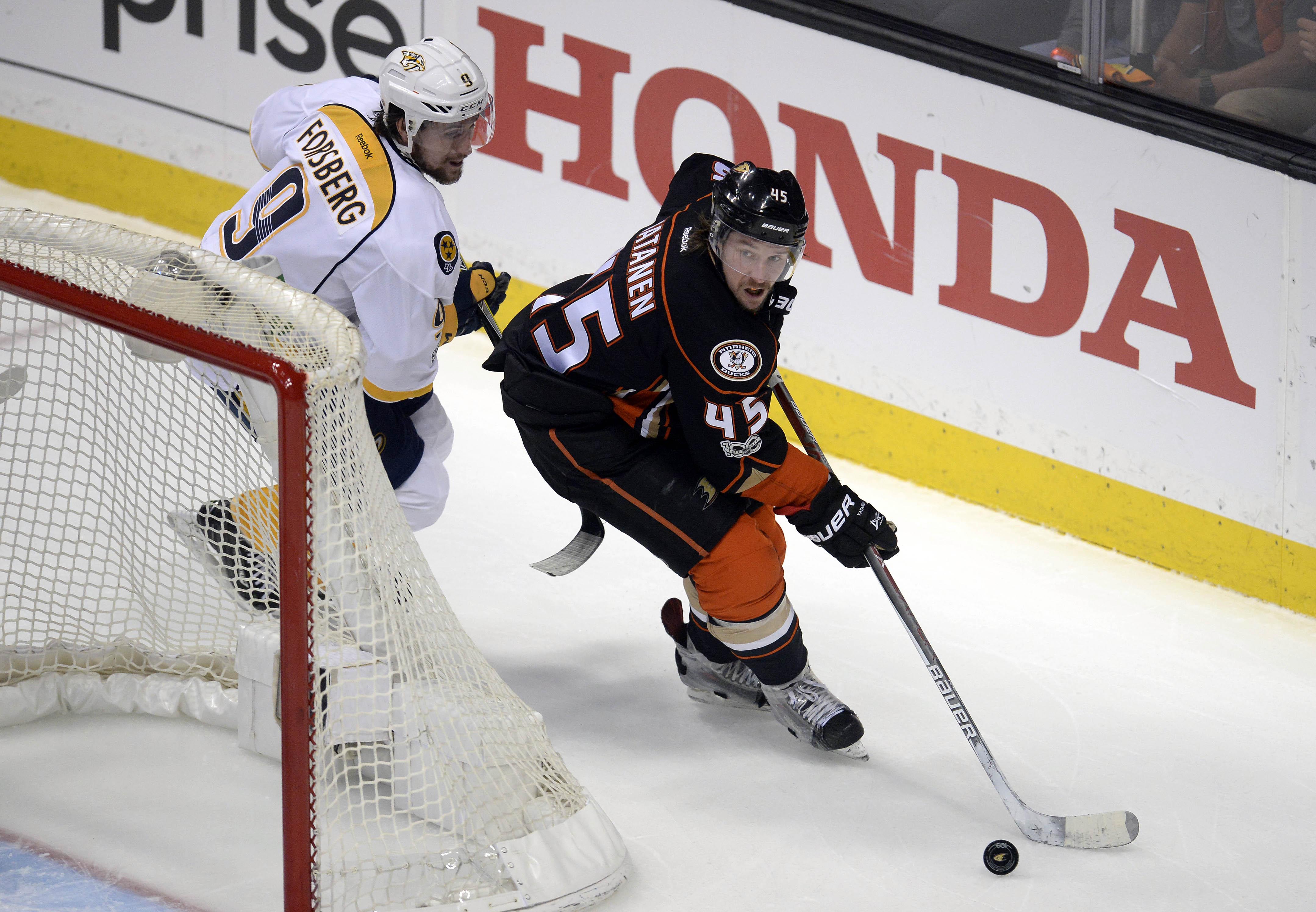 NHL Playoffs 2017 Ondrej Kase scores on rebound to tie