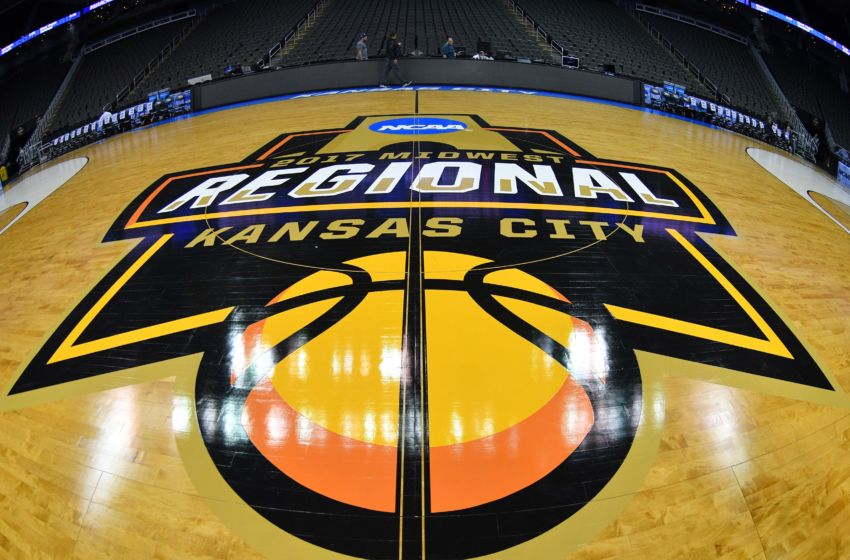 Image result for ncaa 2017 elite 8 kansas v oregon