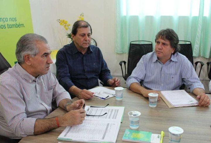 Caravina (dir) com Reinaldo e Sérgio de Paula