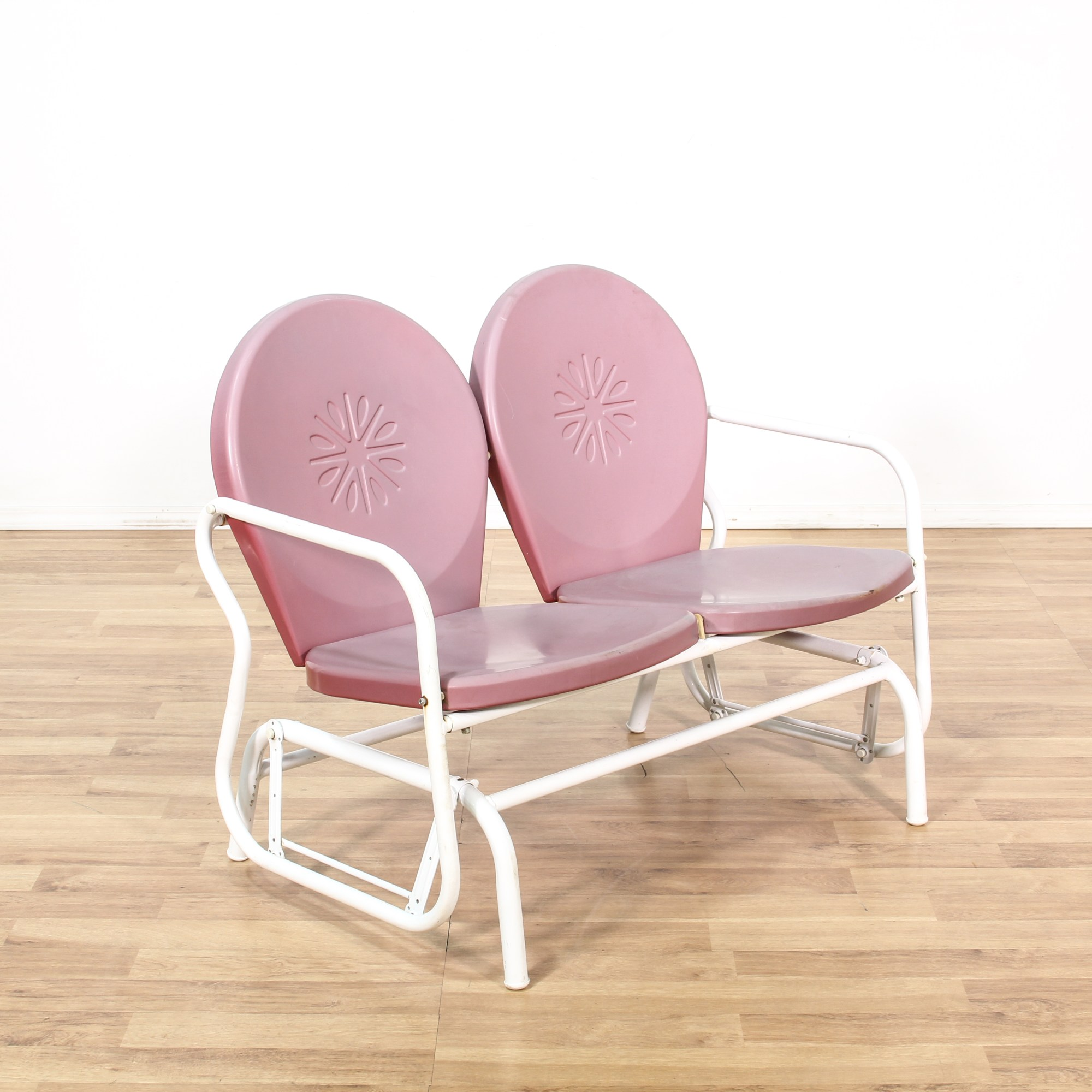 Retro Pink Metal Outdoor Double Lawn Glider Chair