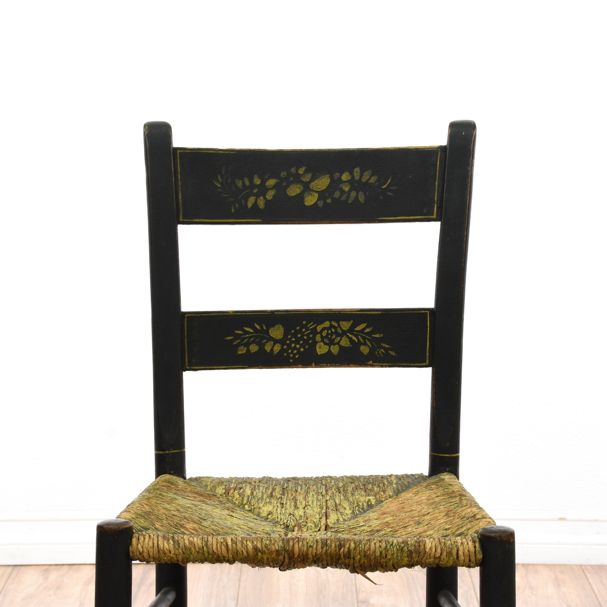 Set Of 4 Antique Hitchcock Rush Seat Chairs Loveseat