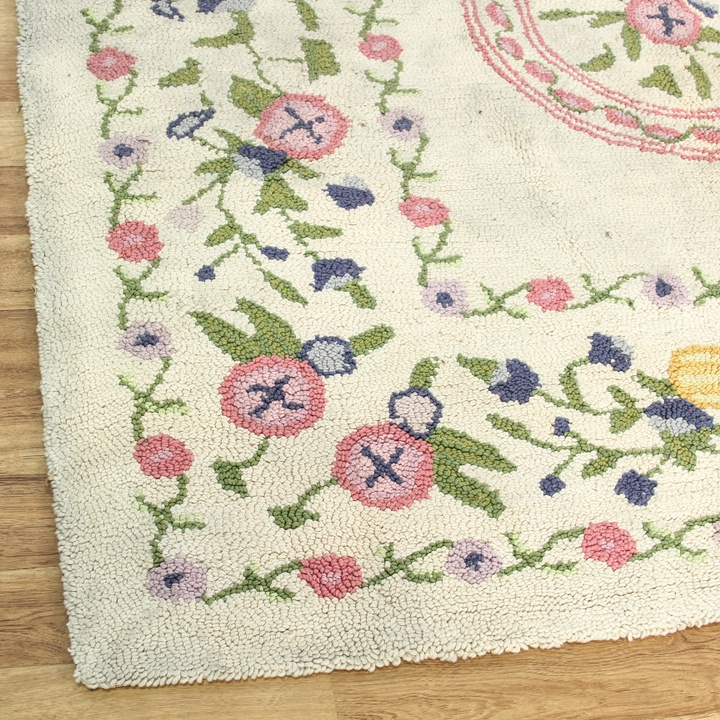 Shabby Chic Cream Pastel Floral Motif Rug
