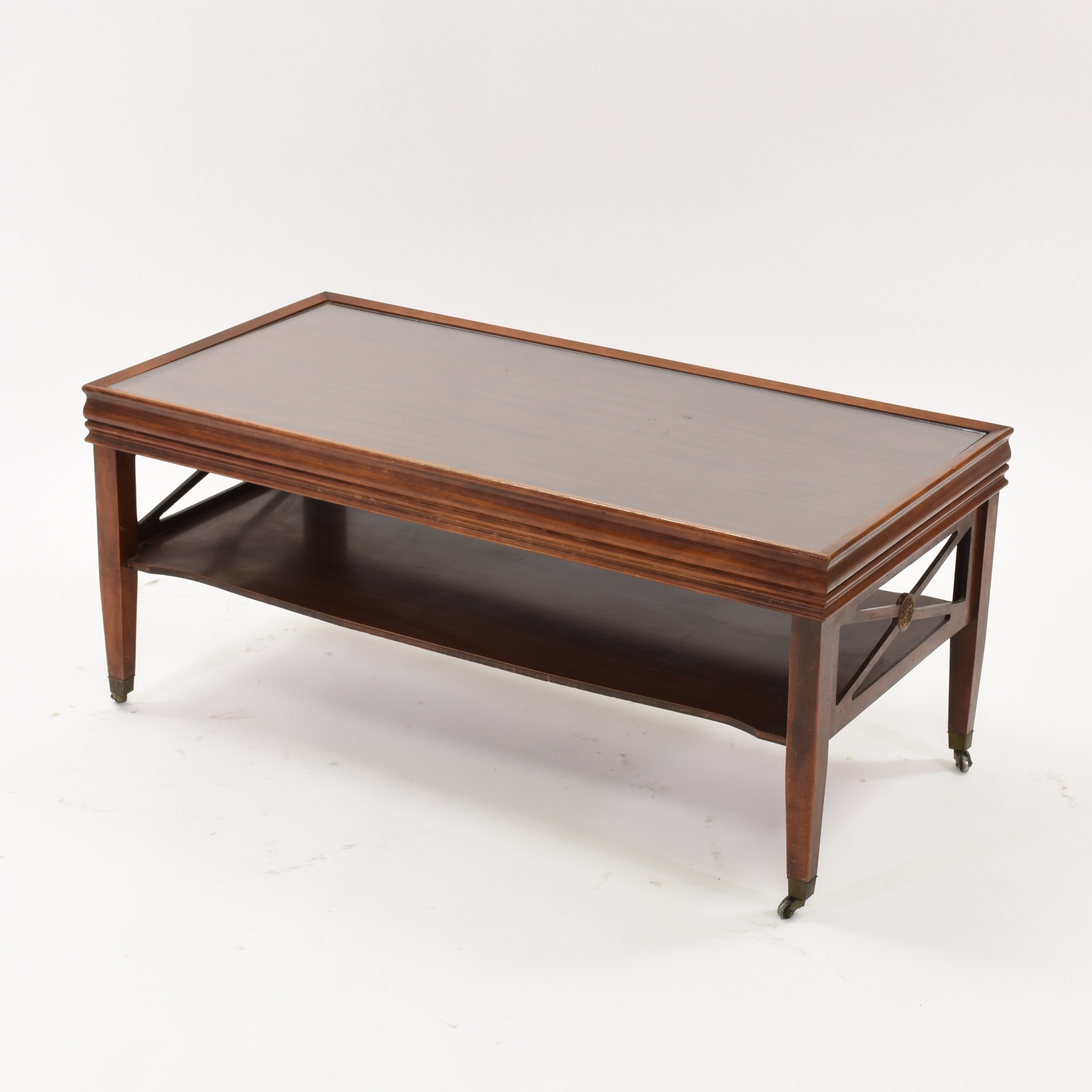 Traditional Coffee Table In Cherry With Glass Top Loveseat