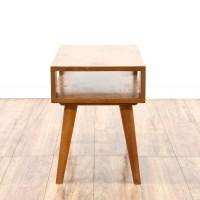 Mid Century Modern Light Wood End Table | Loveseat Vintage ...