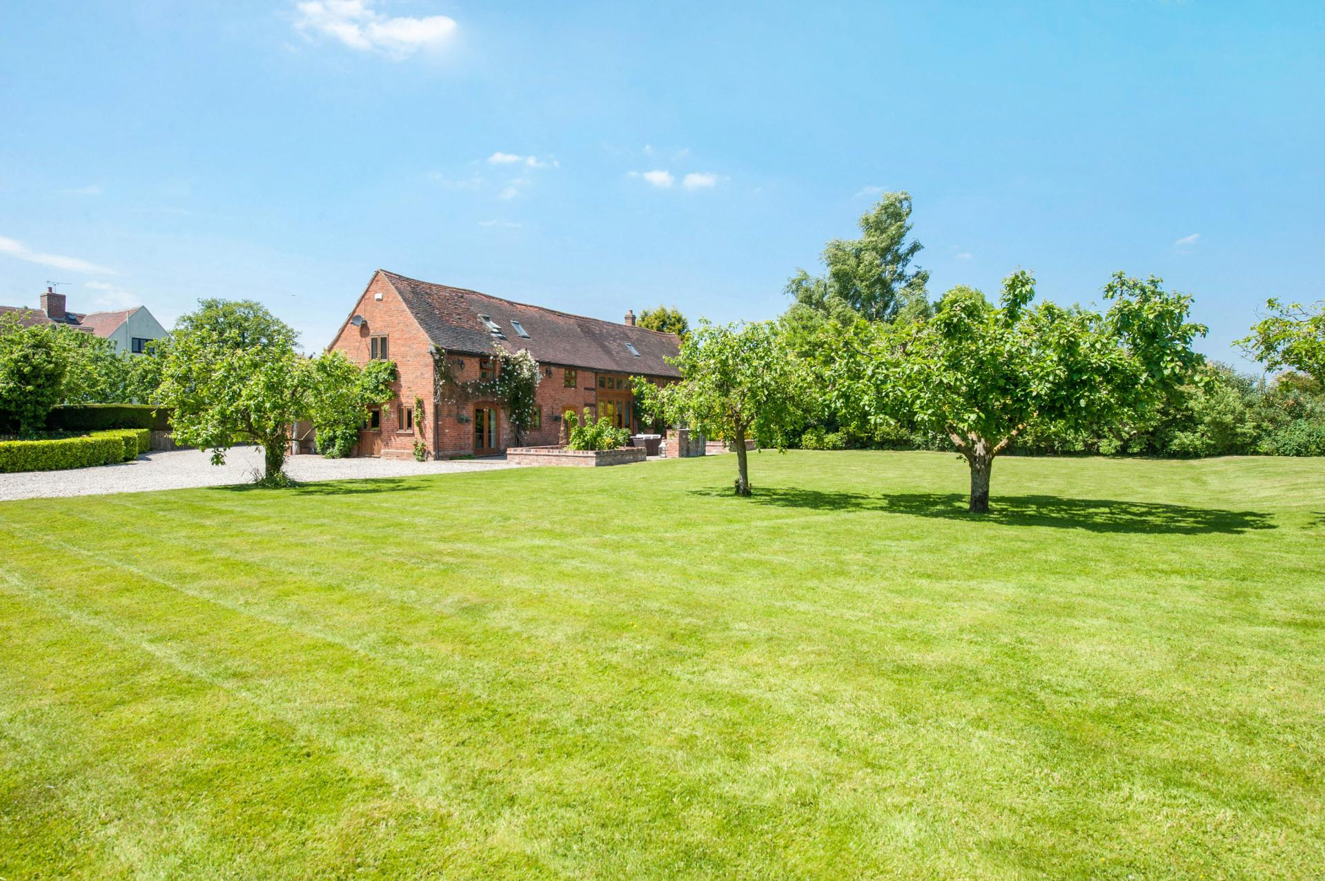 5 Bedroom Barn Conversion For Sale In Balsall Common