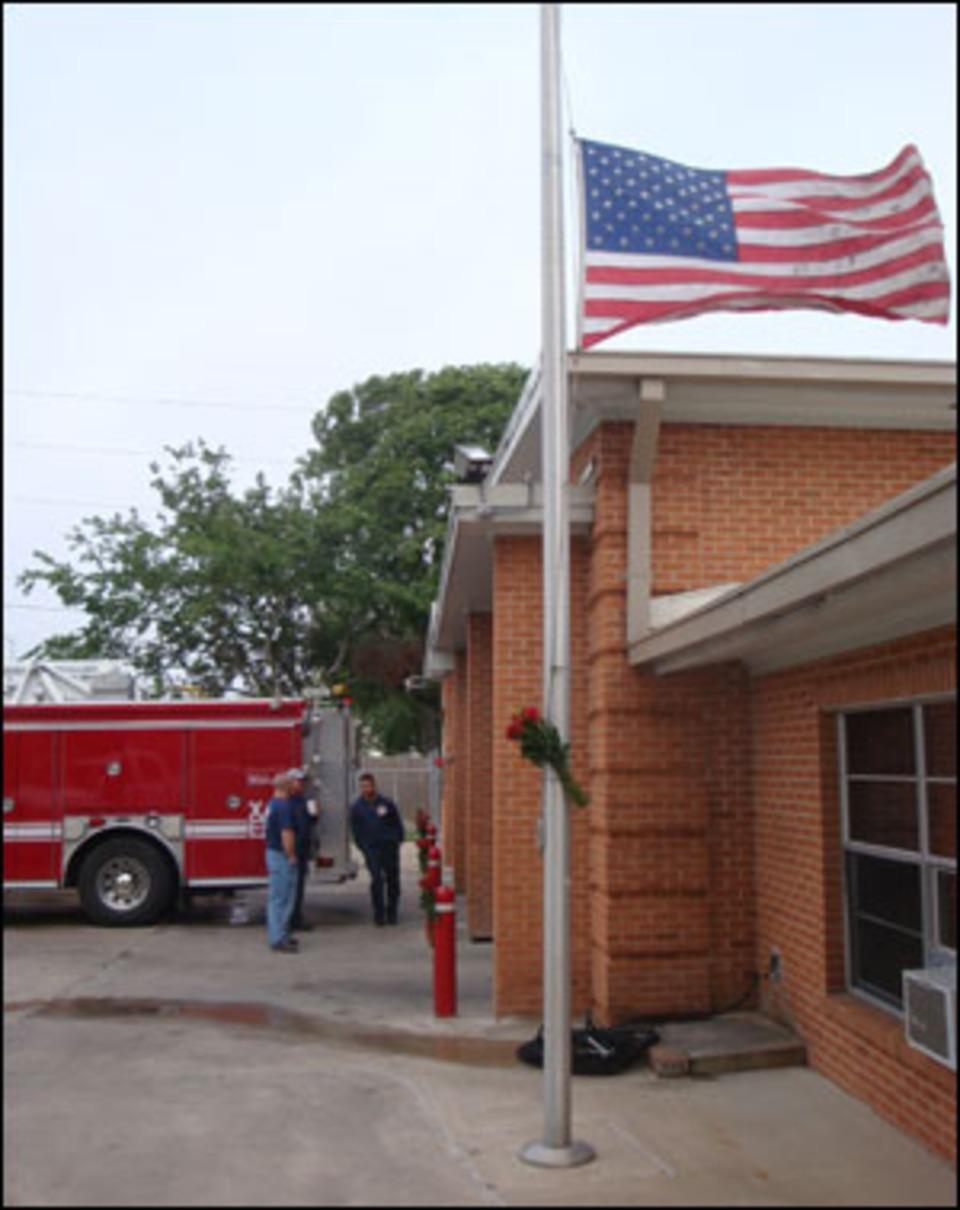 Best Kitchen Gallery: Houston Captain Rookie Die In House Fire of Dream House In Houston Ems on rachelxblog.com