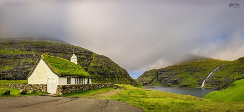 Саксун, Стреймой, Фарерские острова  дом, крыша, озеленение, скандинавия