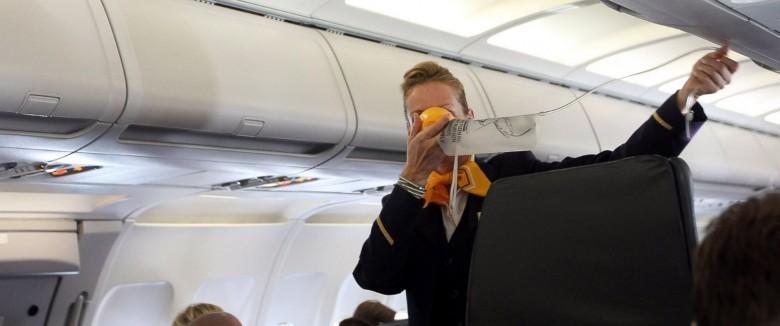 7. У вас есть лишь 15 секунд на то, чтобы надеть кислородную маску авиаперелет, самолет, факт