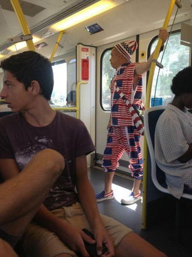 Общественный транспорт — идеальное место для самых ярых патриотов. патриоты, прикол, сша, юмор