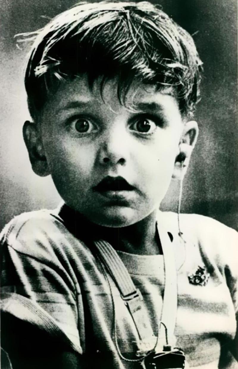 Гарольд Уитлз, глухой от рождения, впервые слышит звук, 1974 год история, факты, фото