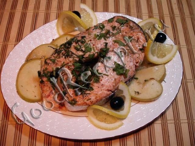Форель деликатесная еда, кухня, рыбные блюда