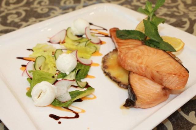 Форель с ананасом еда, кухня, рыбные блюда