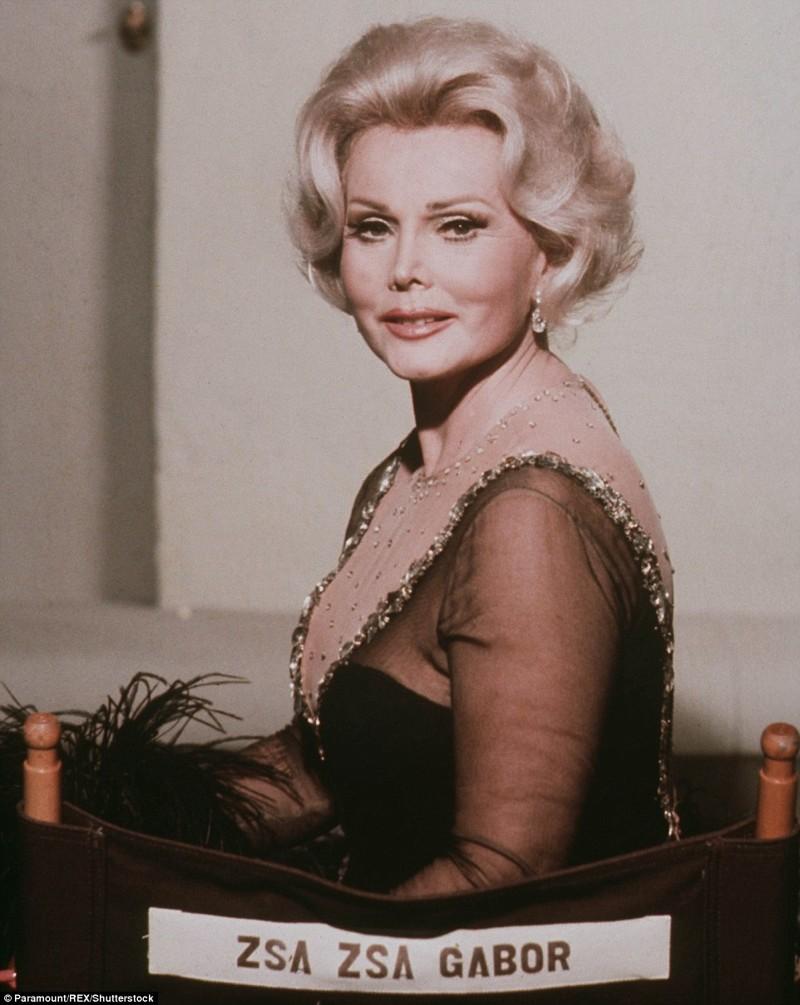 """Как-то остроумная актриса сказала: """"Я прекрасная домохозяйка: после каждого развода хозяйкой дома остаюсь я"""". Жа Жа Габор, актриса, жизнь, смерть"""