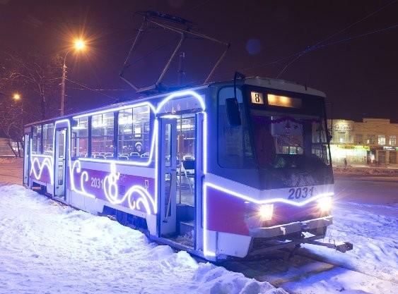 А как вам новогодний трамвай? новогоднее настроение, новый год, транспорт, украшения