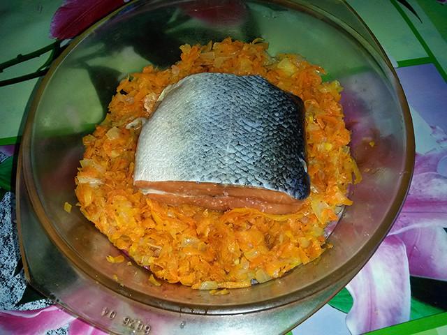 Сёмга на овощной подушке с белым вином еда, рыбные блюда, своими руками, сделай сам