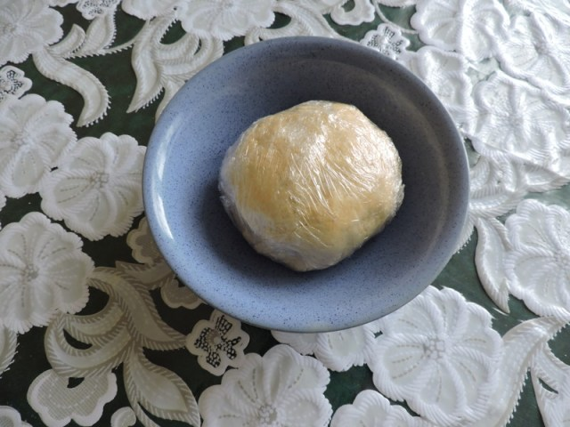 Завернуть в пищевую плёнку и убрать в холод на 30 минут еда, сделай сам, фоничка