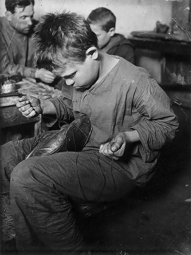 Дети улиц на трудовом обучении. Москва, 1926 год беспризорники, гражданская война, дети, история, редкие снимки, россия, сироты, фото