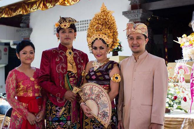 Индонезия в мире, жених, люди, невеста, обряд, одежда, свадьба, традиция