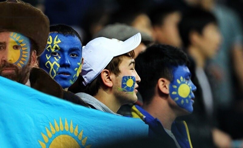 Как порядочный человек, теперь он обязан принять гражданство этой замечательной страны  казахстан, николас кейдж, прикол, соцсети, фотожаба, юмор