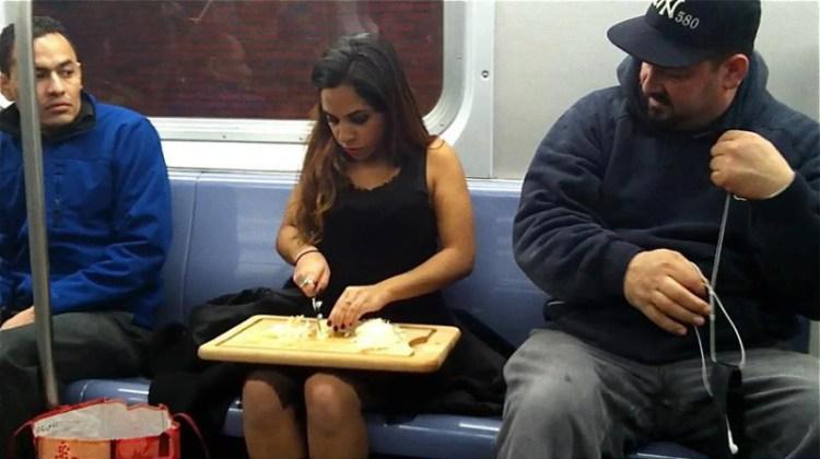 Тем временем в Нью-Йорке  люди, метро, мир, подземка, прикол, фото, фрик, юмор