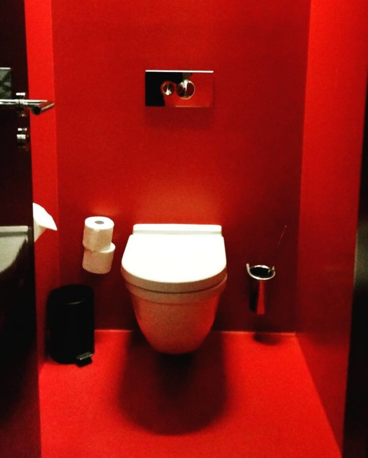 Красная комната дизайн, прикол, санузел, туалет, унитаз