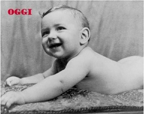 6. А этот карапуз всегда умел оставаться на плаву детство, политики, фотографии