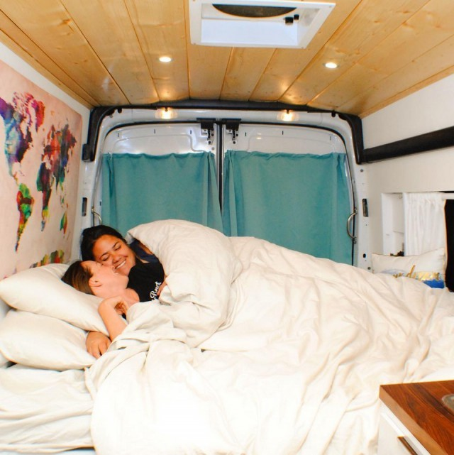 Романтические фото людей, выбравших жизнь на колесах интересное, прикол, путешествия, фото