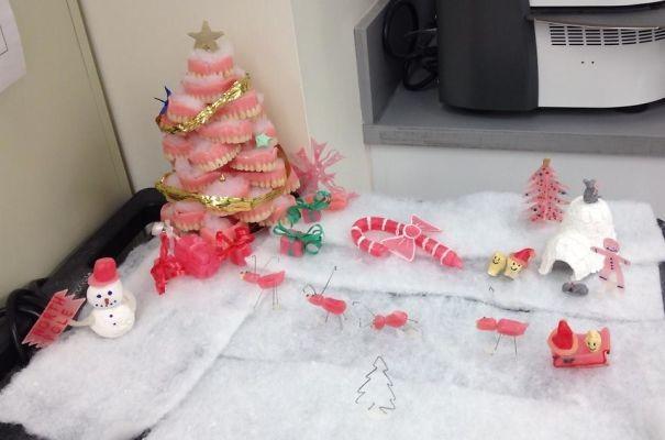 На новый год у дантистов своя атмосфера врачи, дантисты, забавно, зубной врач, приколы, стоматологи, фото, юмор