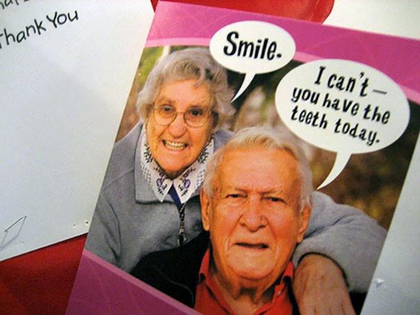 На плакате у кабинета: -Улыбнись! -Я не могу, зубы сегодня у тебя врачи, дантисты, забавно, зубной врач, приколы, стоматологи, фото, юмор