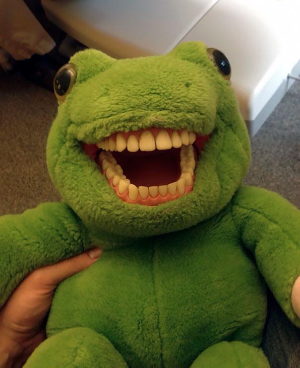 Игрушка для детей в стоматологии врачи, дантисты, забавно, зубной врач, приколы, стоматологи, фото, юмор