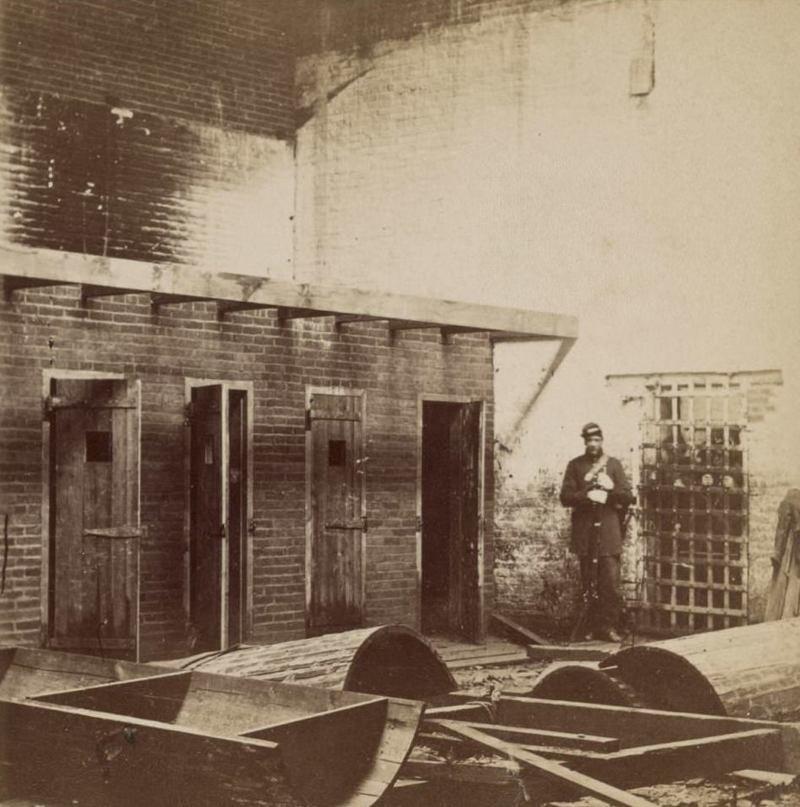 Помещение для содержания рабов перед продажей, Александрия, штат Вирджиния  аукцион, история, продажа, прошлое, раб, сша, фотография