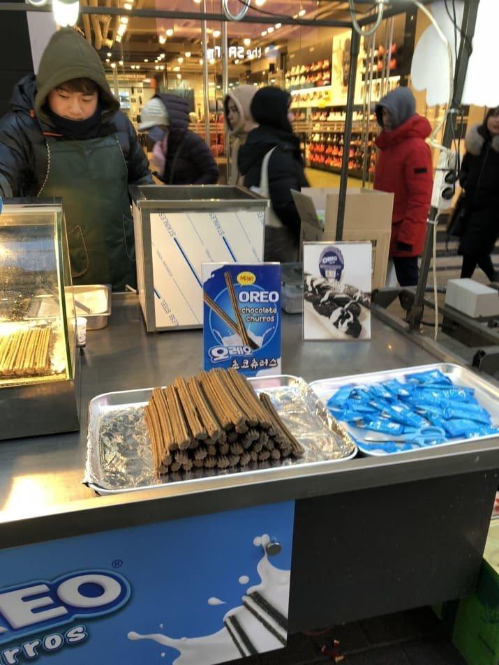 21. Шоколодные чуррос Oreo: $3,50 еда, еда быстро, сеул, уличная Еда, уличная еда, фастфуд, южная корея