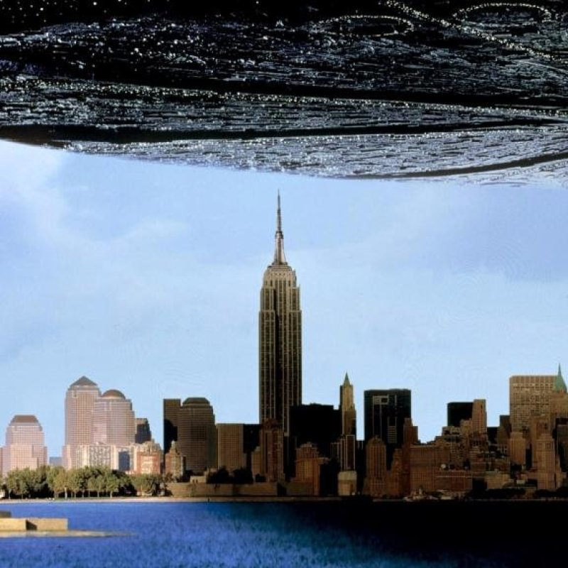Пчеломатка из «Дня независимости» - 4500 километров star trek, вавилон, звездные войны, звездные корабли. космос, интересное, сравнение, фото