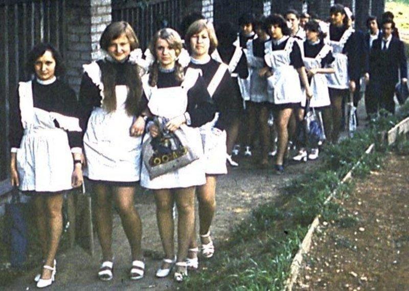 Но уже в конец 70-х пластиковые и полиэтиленовые пакеты начали вытеснять привычные для советских граждан авоськи дефицит, история, мода ссср, пакеты, полиэтиленовые пакеты в ссср, фото