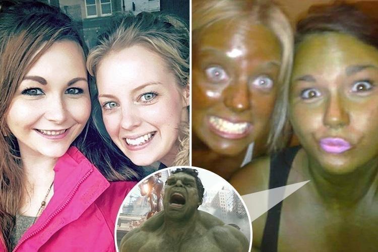 «Ты похожа на Халка! И ты тоже»: подруги стали жертвами экспериментальной косметики в мире, жертва, загар, косметика, люди, подруг, халк, юмор