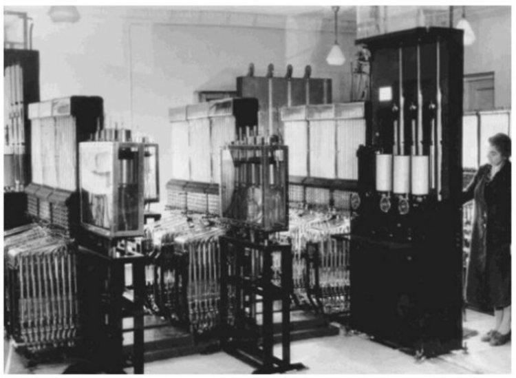 Шедевр советской инженерии — компьютер на воде