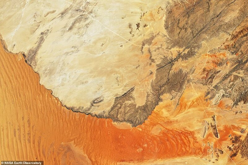 Шөлді намибте шегіну. Сурет 2019 жылдың қараша айында Landsat 8 жерсерігінен жасалған