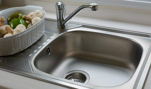 single bowl vs double bowl sink pros