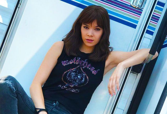 First Look At Hailee Steinfelds Charlie In Transformers