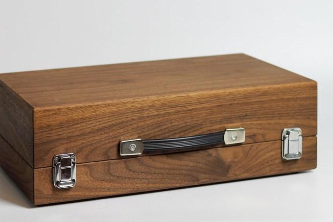 love-hulten-cary42-wooden-arcade-box-05-1200x800