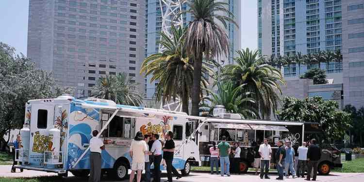How To Turn Your Local Food Trucks Into a Culinary Dating Experience
