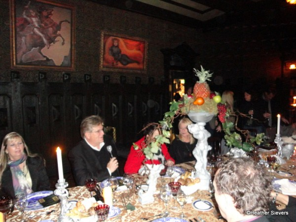 Try Not To Be Murderously Jealous Dinner Inside Disneylands Haunted Mansion