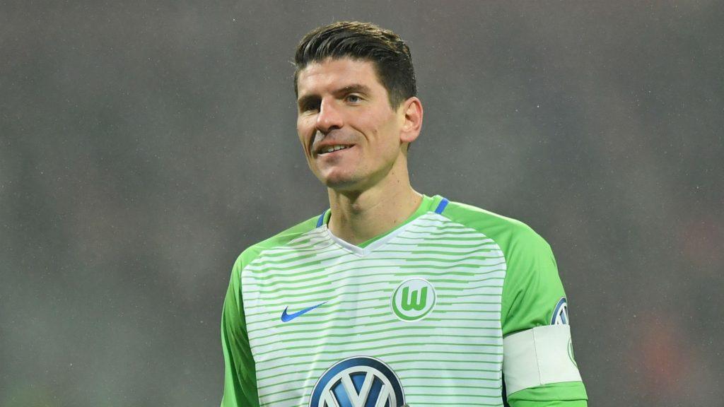 Mario Gomez departs Wolfsburg and returns to Stuttgart
