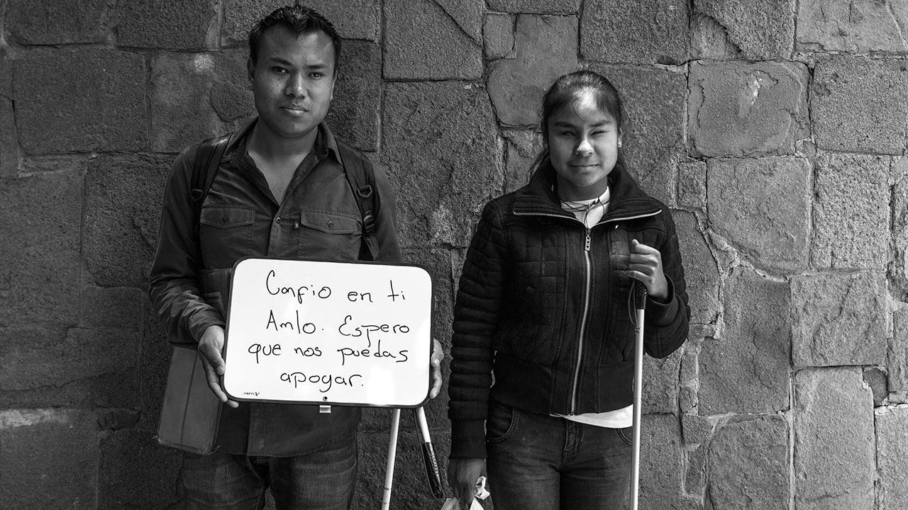 """Diego Tapia y Brenda Muñoz: """"Confío en ti AMLO. Espero que nos puedas apoyar."""" Foto: Angélica Escobar/Forbes México."""
