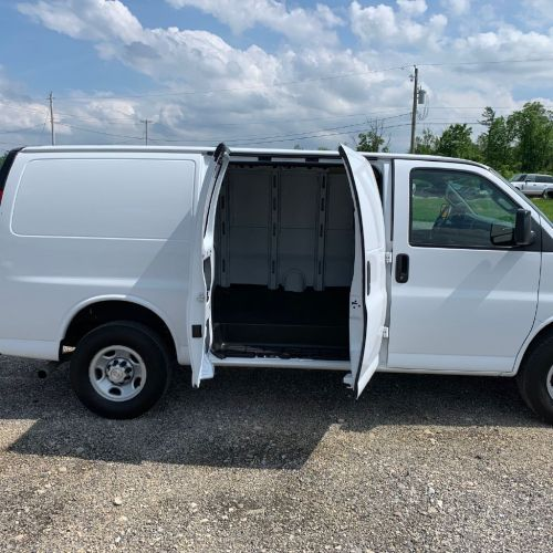 small resolution of 2018 chevrolet express g2500