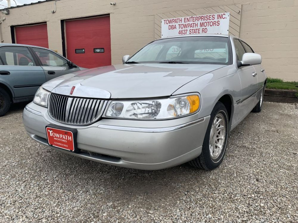medium resolution of used 1999 lincoln town car signature