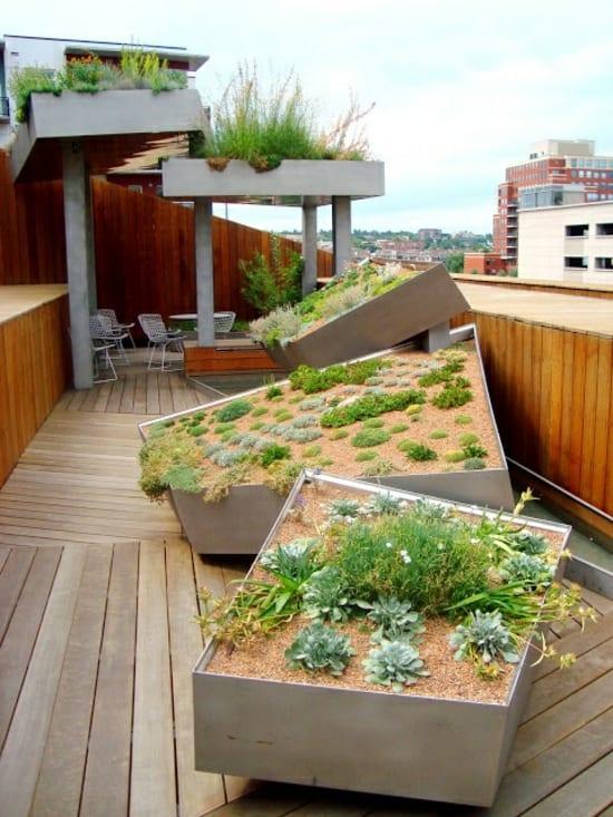 kleiner Garten in der Stadtdachterrasse mit steingarten  fresHouse