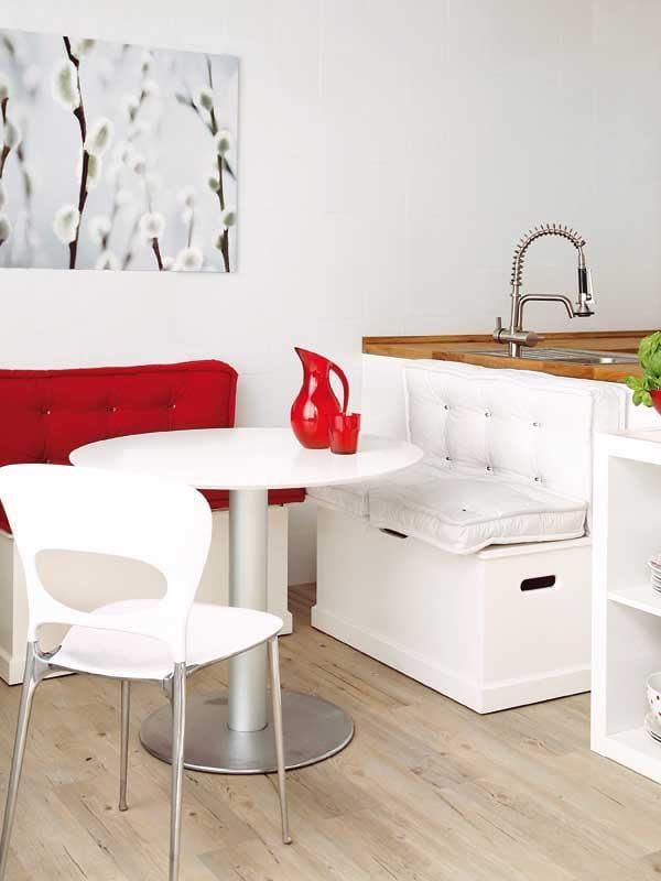 moderne sitzecke kche fr kche wei mit sitzkissen rot