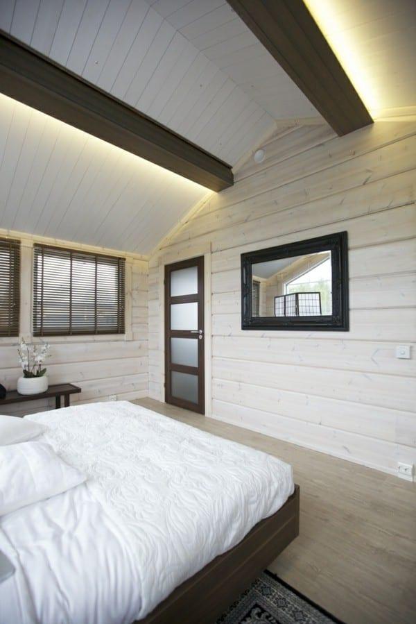 schlafzimmer dachschrge mit deckenbeleuchtung hinter deckenbalken versteckt  fresHouse